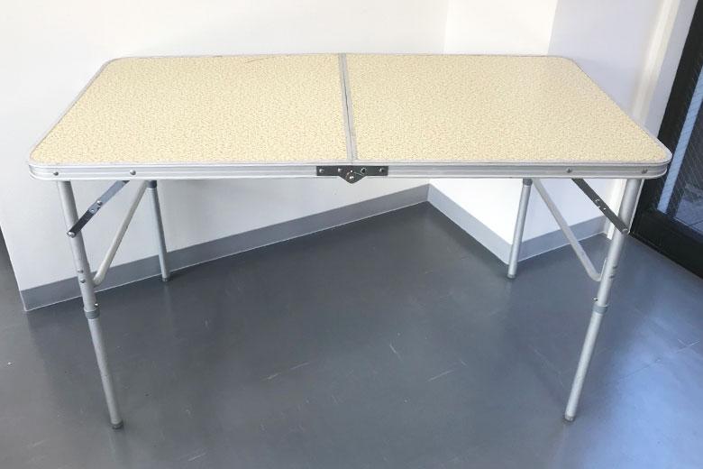 ロケ用レンタル備品「折り畳みテーブル」